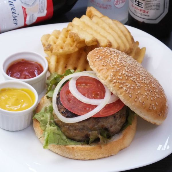 Authentic burger is No.1 repeat rate! Trim burger