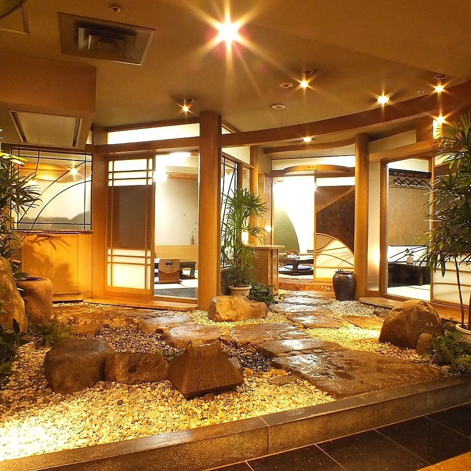 【Japanese room where you can see the rock garden】