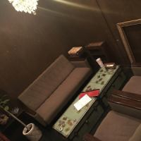 気兼ねなく愉しめるゆったりソファーVIP個室★30分500円