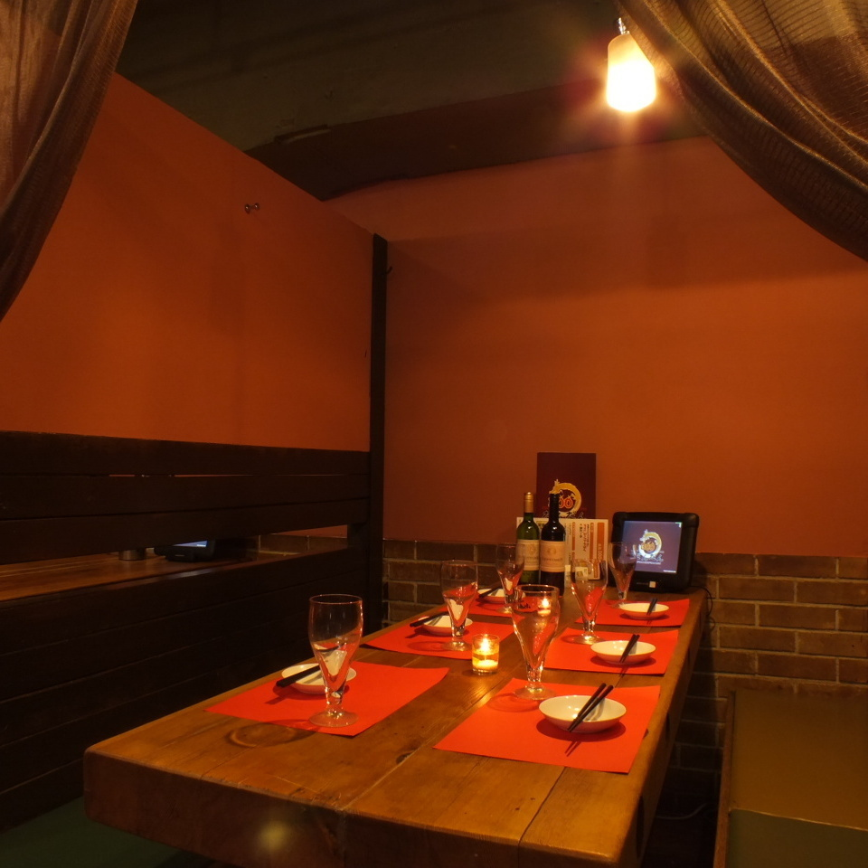 Private room seats are comfortably spacious ★ Ideal for private banquets such as gong and girls' associations ♪
