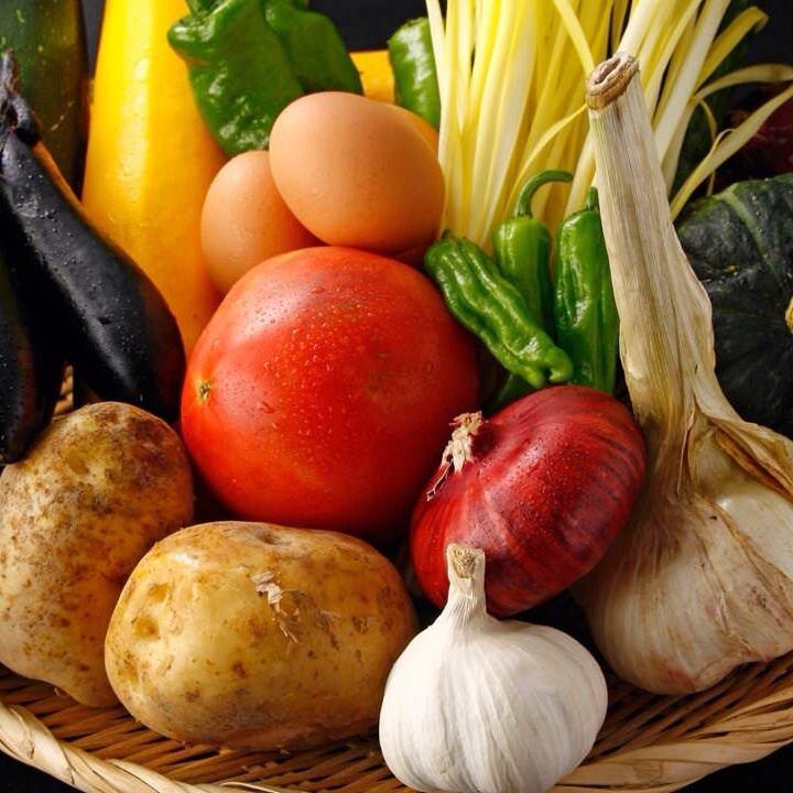 実家の岡山から取り寄せる無農薬野菜を使用した料理はどれも美味