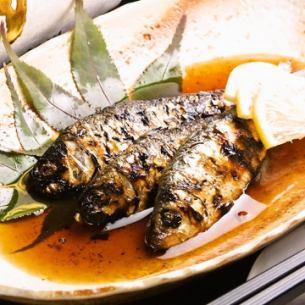 (冈山)Sanbaizu腌狩猎仍然烤