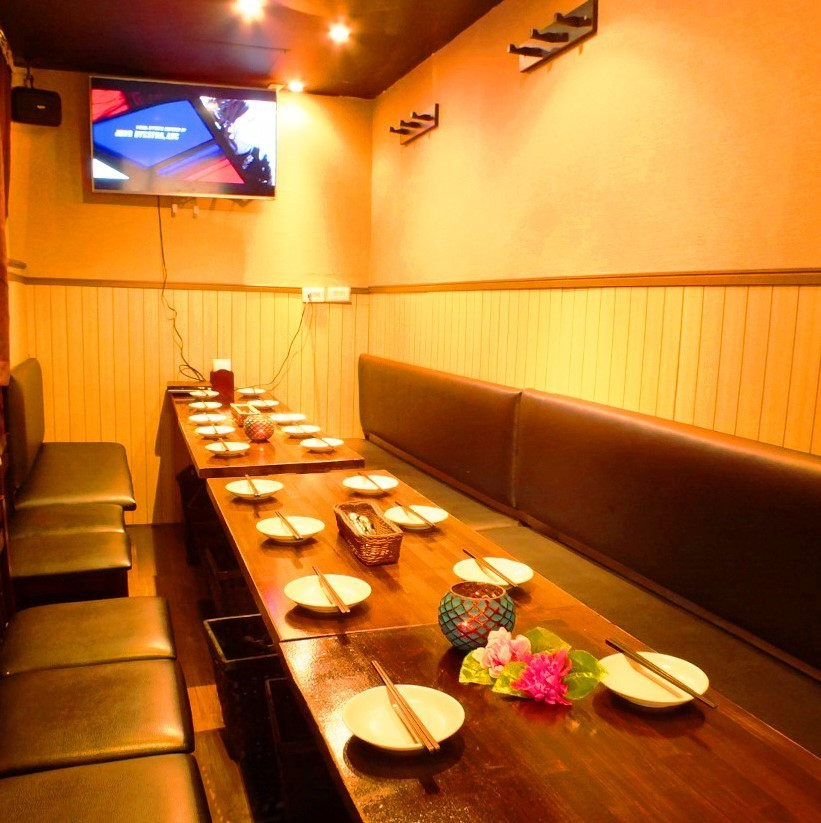 [20 명 ~ 40 명까지 OK】 3F 식당 층을 전세! 가라오케 시설 · 마이크 · TV 모니터 완비.단체에서도 정리 된 형태로 최대 30 명까지 안내 할 수 있습니다