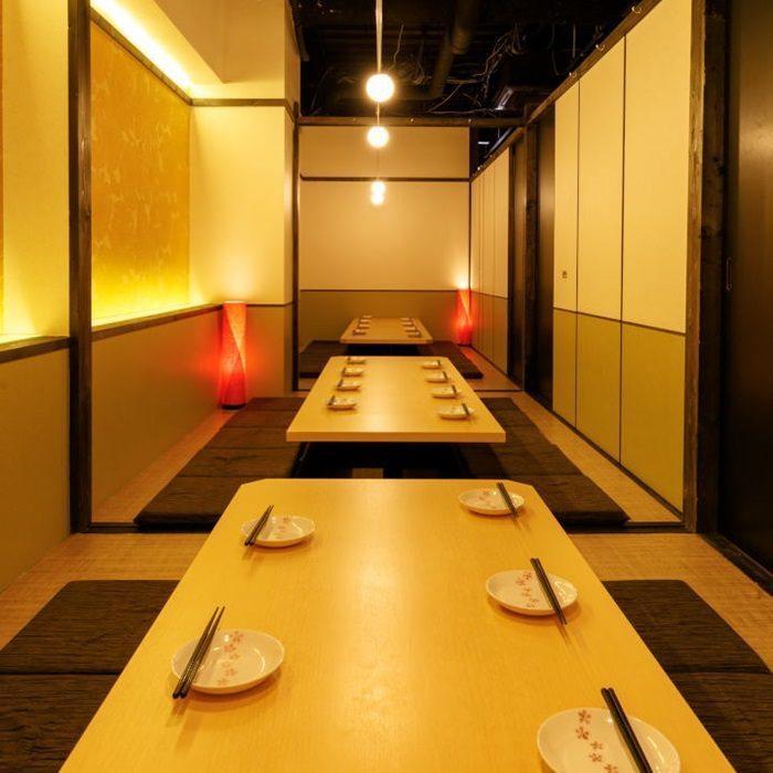 寬敞寬敞的挖掘式房間可容納10人,20人,40人,50人...根據人數準備◎座位將被引導至完全私人房間,人氣為2至180人。