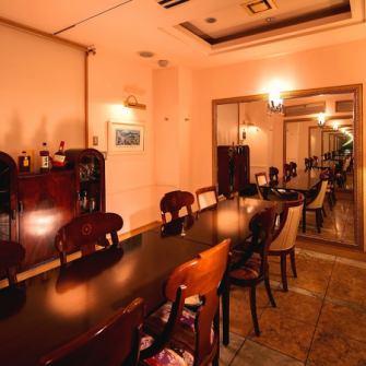 ◆完全個室で特別な時間を◆6名様から12名様までお使いいただける個室はまさに上質空間。その時間を最大限楽しめるようにおもてなしさせていただきます。1部屋しかない個室は人気席のため、早めのご予約をお願いいたします。周りを気にせず料理とお酒に浸ってください…