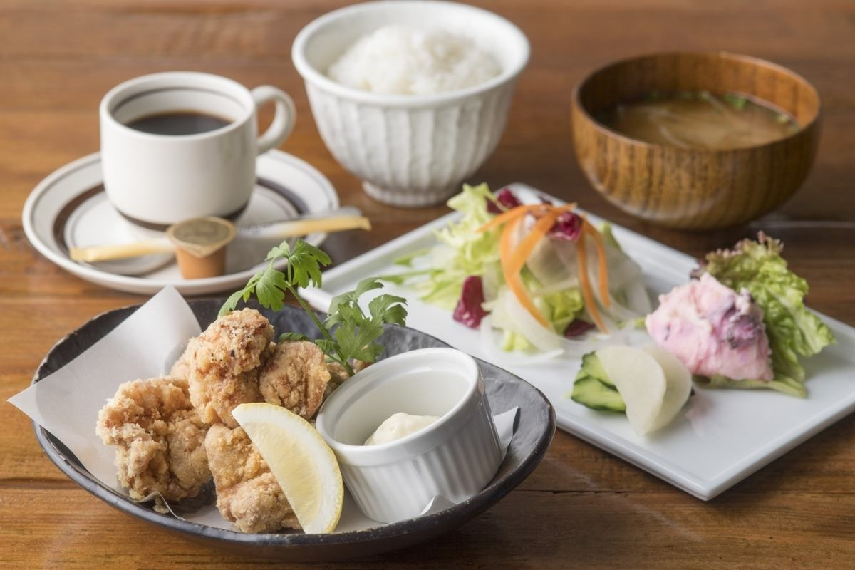 【Grandprix from the whole country】 Grand prix of Gunma prefecture store 's first highest gold award, gold medal prize and 4th awards, the first three domestic victories of Kiseida Grand Prix.【Gunma prefecture internet site】 Karate fried chicken with lunch at the top of 4th popular lunch.