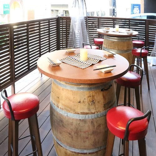 Barrel table 2 to 4 people