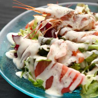 ぷりぷり海老のシーザーサラダ