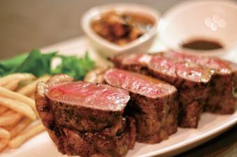 호주산 쇠고기 등심 스테이크 (300g-350g)