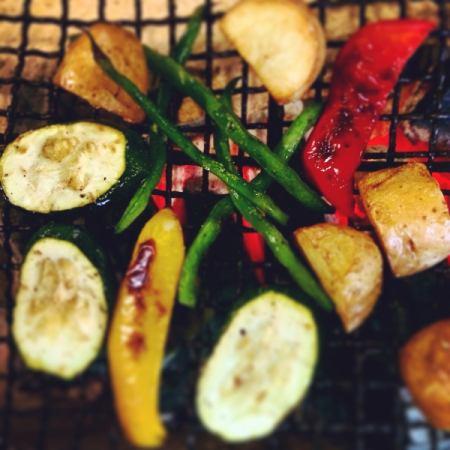 烤炭烤蔬菜
