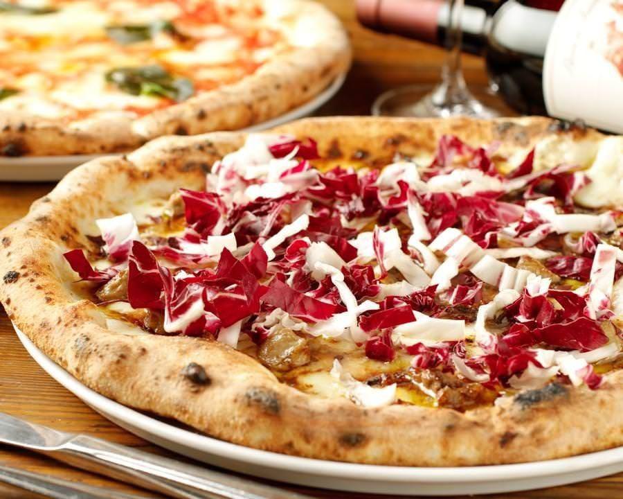 恵比寿駅東口から徒歩5分、リゾート地のような店内で絶品イタリアンを召し上がれ◎