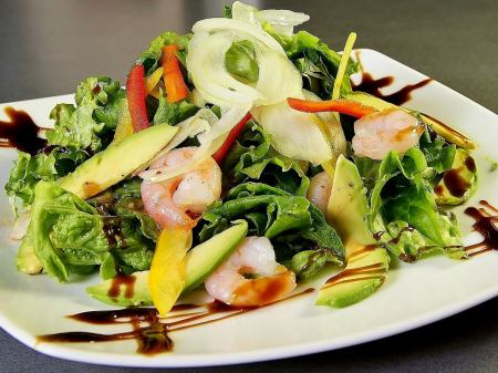 Shrimp and avocado Italian salad