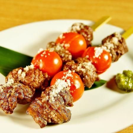 Sendai Kuroge Wagyu beef and tomato skewers (2 skewers)