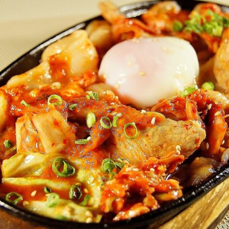 Fried iron plate Kimchi of the three-way pig - to the temperature and ball -