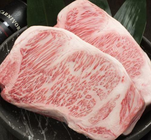 """黑毛和牛A5级沙朗牛排!鸟取县使用"""" Manyo牛肉"""" A5级!1g26日元(100g〜)"""