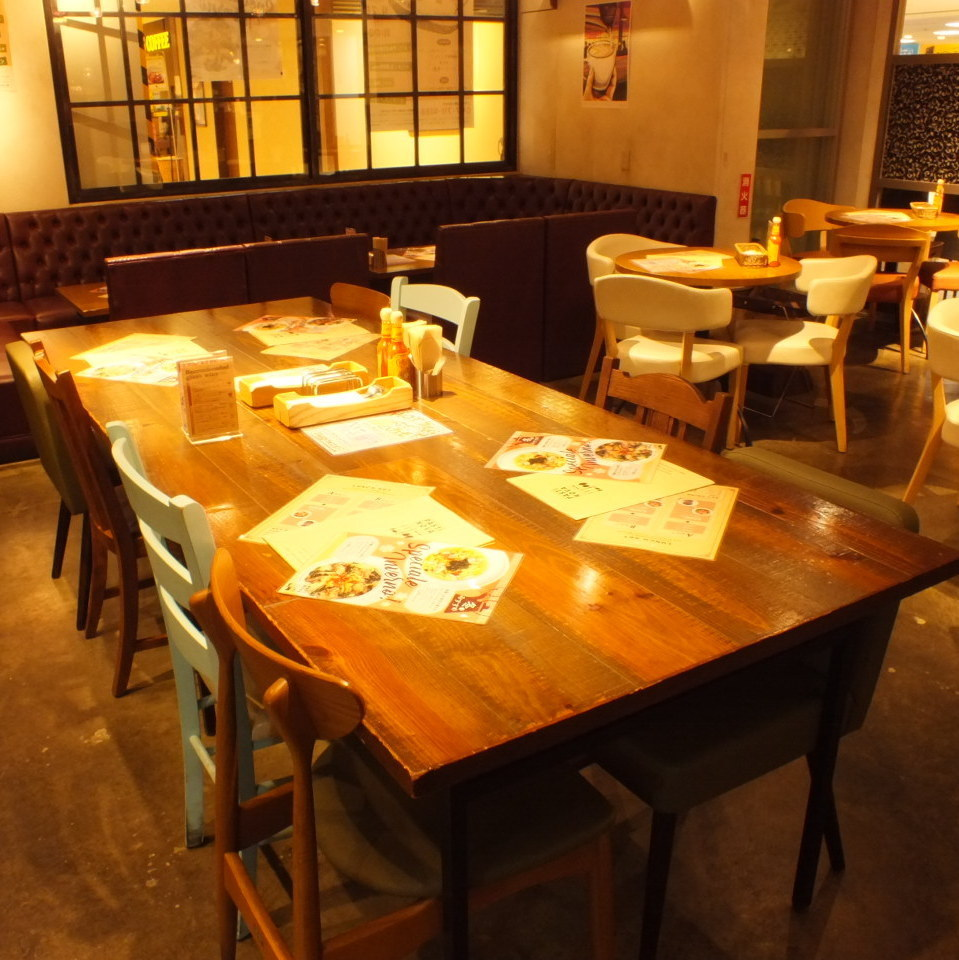 For 6 to 8 people.It is recommended for banquets and gatherings ♪ We will prepare seats according to the number of people!