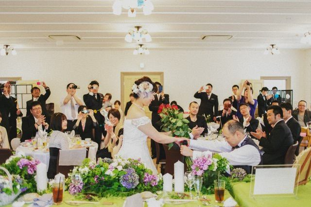 We offer you Mike projector and sound.Alumni and social gatherings, 忘新 annual corporate-like, you can use a variety, such as the party, such as a women's meeting.Please feel free to contact us to the bride and groom like of requests so we also offer original wedding, which was to meet thoroughly.
