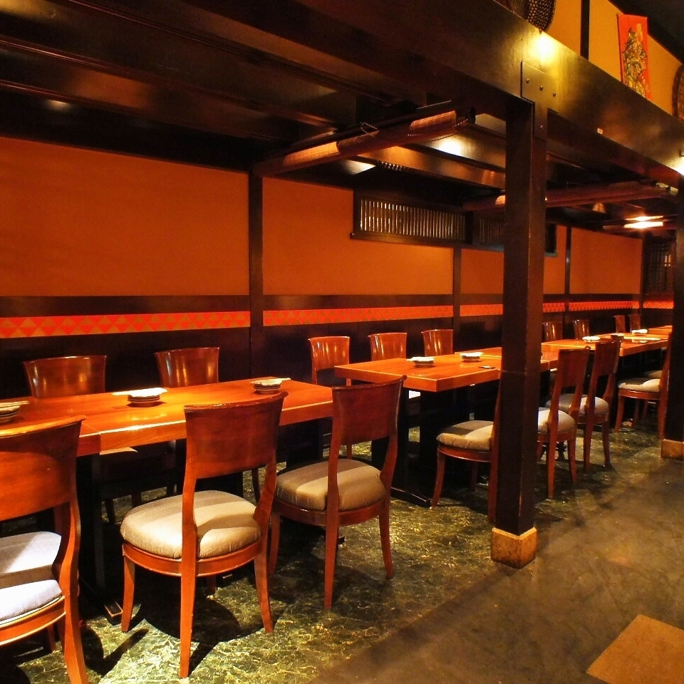 A spacious Japanese space with a feeling of opening.We will guide you according to your scene.We will hospitality with delicious Japanese food and graceful space.