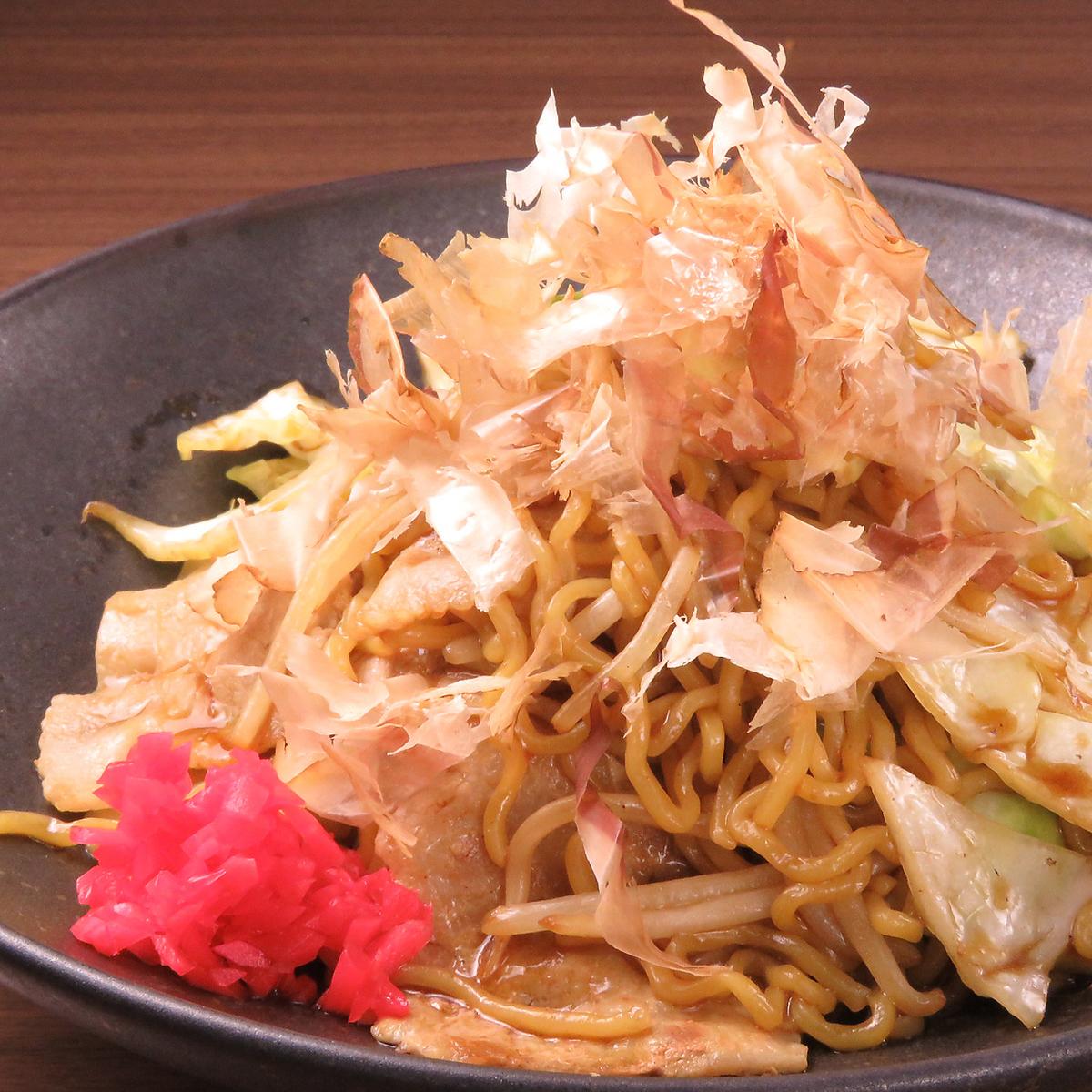 Pork sauce fried noodles