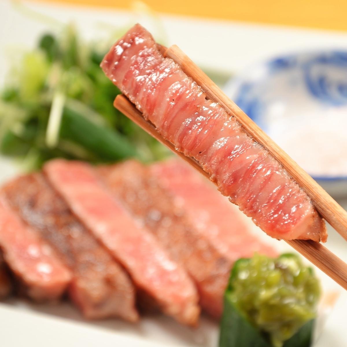 Kyushu Kuroge Wagyu Beef Broiled Broiler - rock salt and chopped Wasabi -