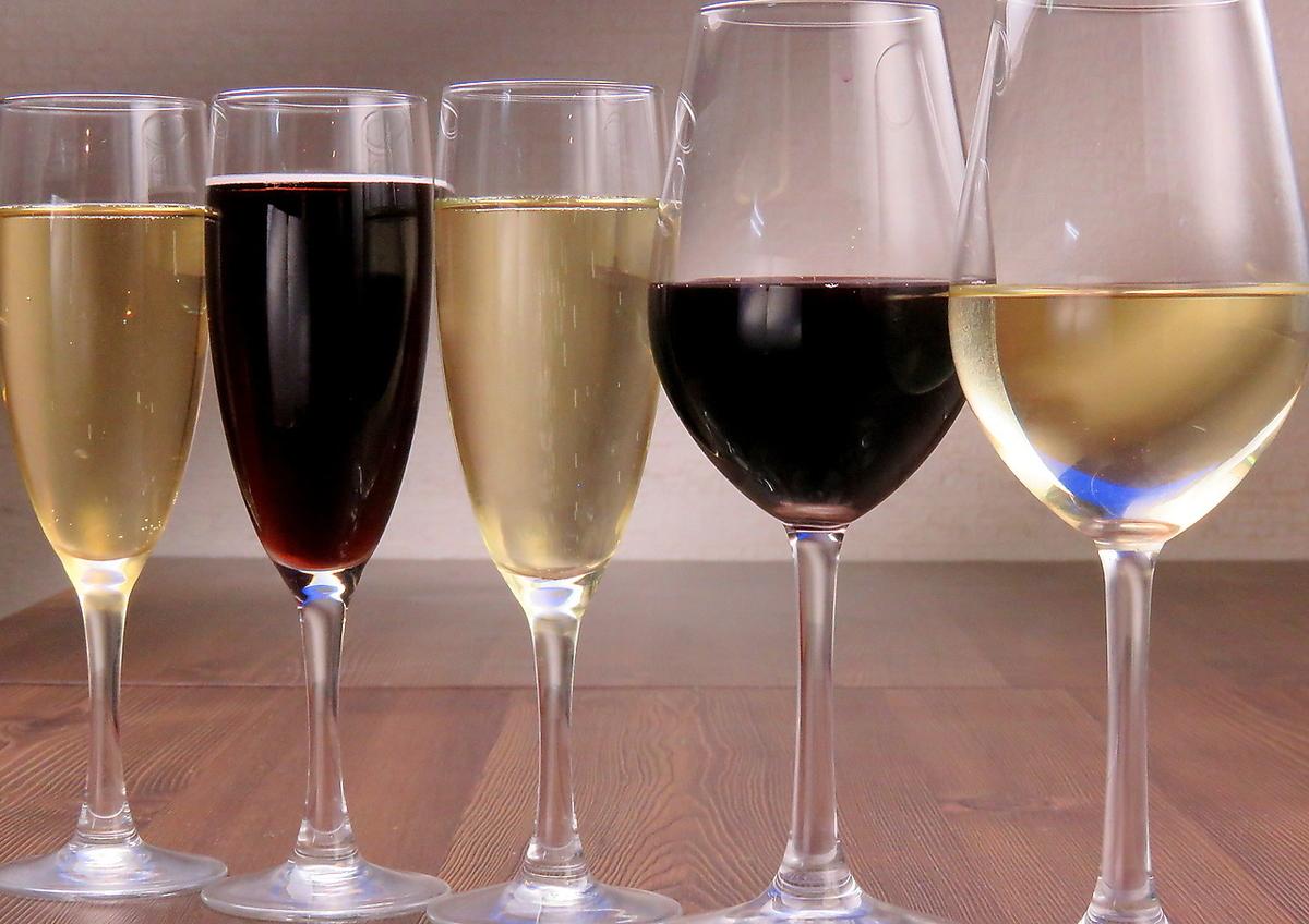 Glass of wine ALL 300 yen