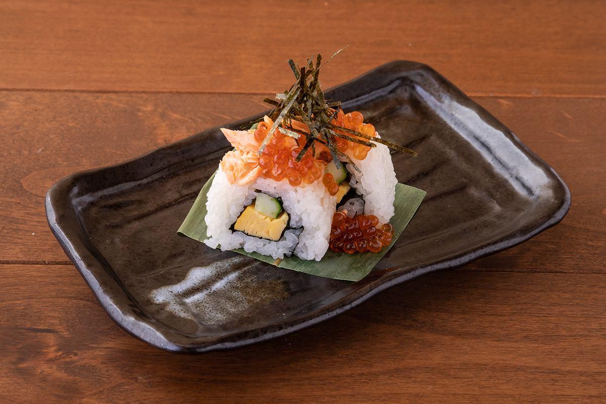 ロール鮨は5種類のラインナップ。