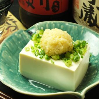 Mountain wasabi put cold tofu