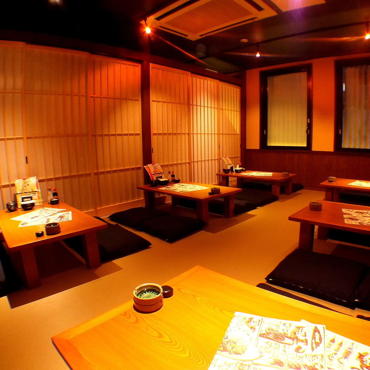 【2F】 It is possible to party from 30 to 42 people in a semi-private room style seat!
