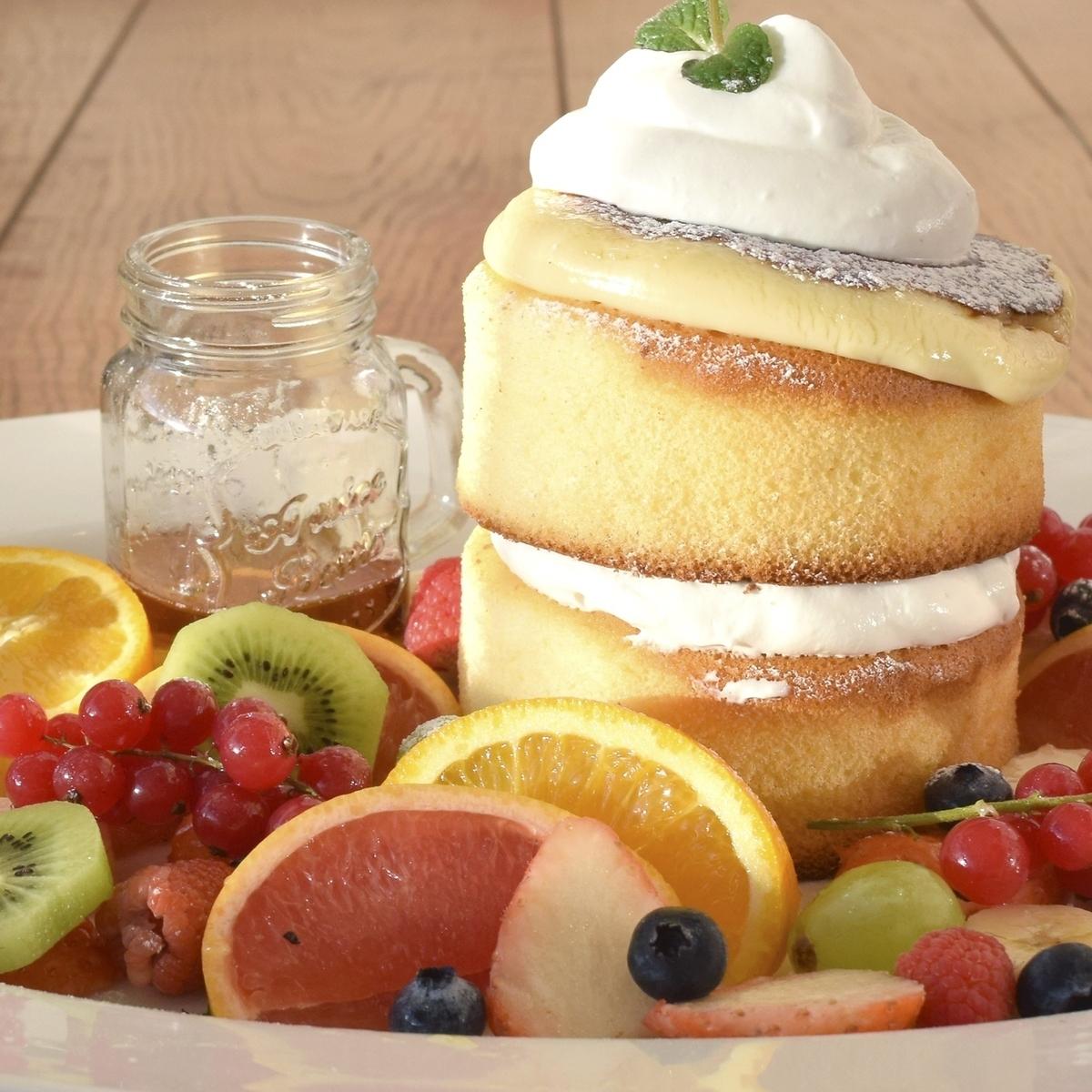 Amelie Brulee pancake Fruit Paradise