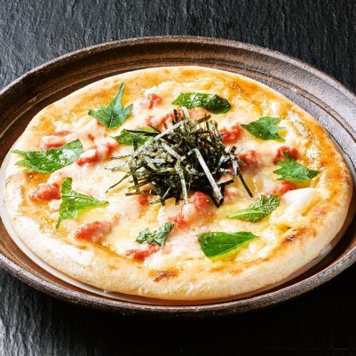モチモチおもちと明太マヨのピッツァ