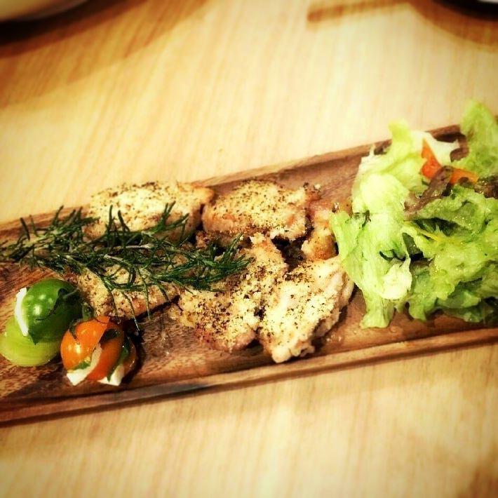 닭고기 향초 빵가루 구이 감자 첨부