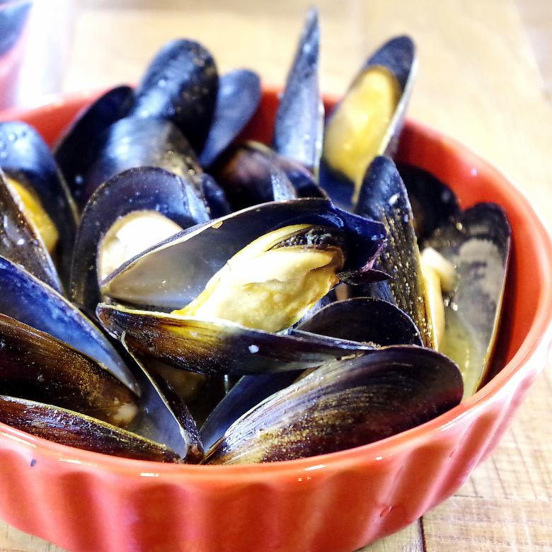 Mussels steamed wine