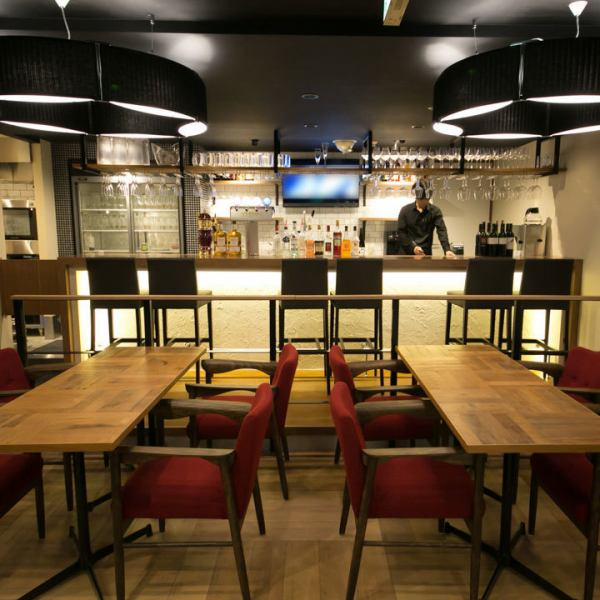 【Freshly opened fashionable Italian bar】 One hour walk from Kannai station Celte 6th floor ♪ 50 kinds of 2 hour drinks unlimited course, boasting a comfortable design space Booths are still shops ♪ We serve delicious dishes at reasonable prices .