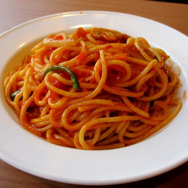 Spaghetti lunch 550 yen of the very popular (tax included) - old-fashioned spaghetti is appeared in lunch with hearty