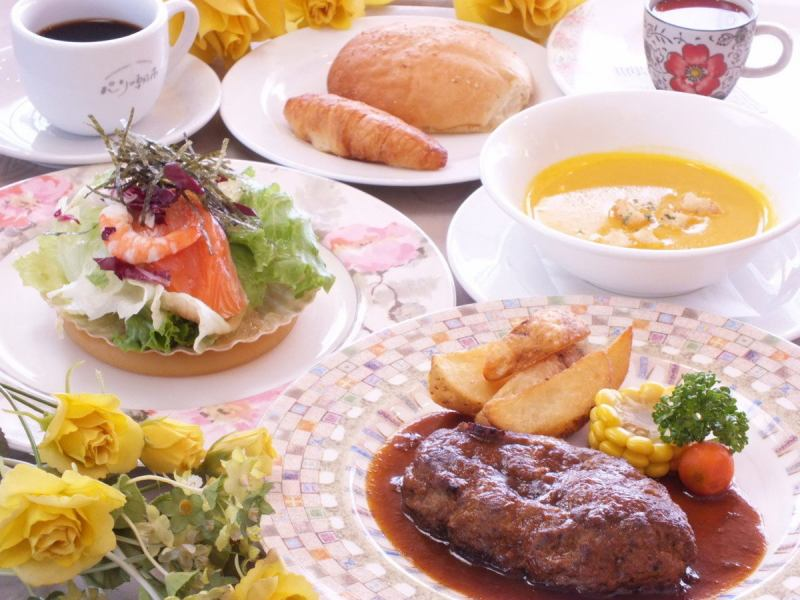 Popular! Paris morning market Lunch menu ♪ More cheap lunch can be enjoyed with monthly coupons ☆