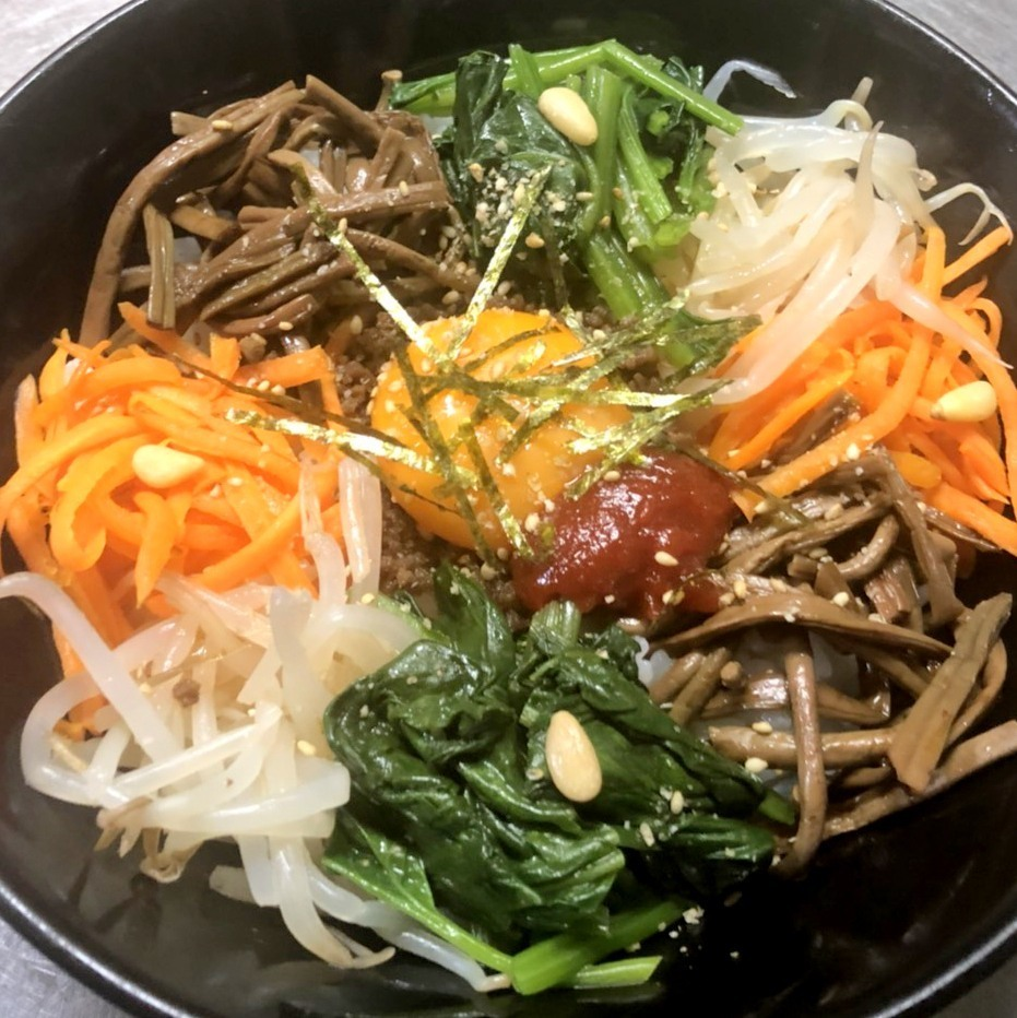 Cold noodles, bibimbap, yukkejan ramen etc are possible when turning around!