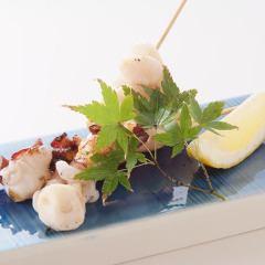 あぶりたこ(串2本)/つぶ貝串焼き(2本)