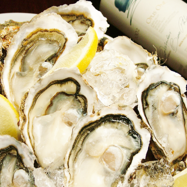 The raw oyster in Hokkaido Shiretoko fishing ground (tokotokoji fishing field) 365 days ... It is available at 250 yen!