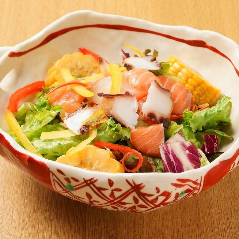 知床海鮮サラダ
