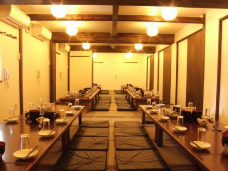 The [banquet] 2F, there is wide-Iozashiki perfect for banquets! OK up to a maximum of 80 people