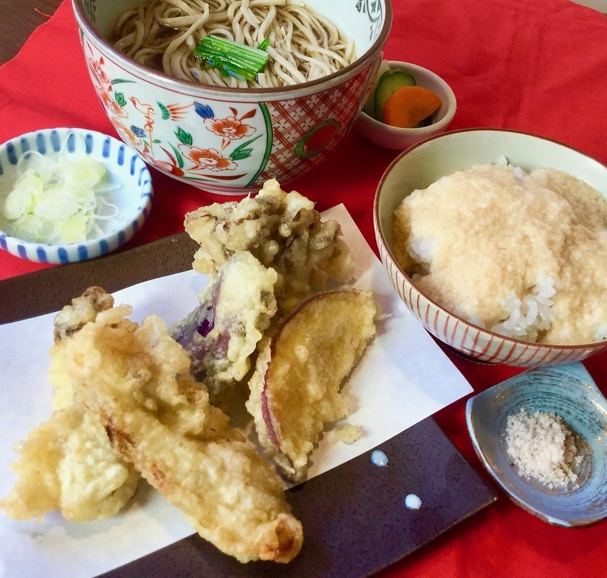 〈ランチ人気3番〉【平日限定】天ぷらそば定食