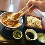 【Traditional sauce that has been adding over forty-five years the secret of taste】 <Lunch popularity No. 1> Katsu bowl set meal