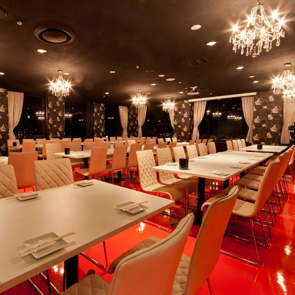 The Party room has also partitions according to the number of people.Taking care not to disturb the night view, directing a gorgeous feeling from the entrance.A variety of dishes that adorn the interior and the table.Come and enjoy.【Umeda / Italian / French / Izakaya / Night view / Banquet / Private room / Large people / Women's party / Anniversary / Birthday / Date]