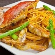 Creamy pasta for migrating crabs