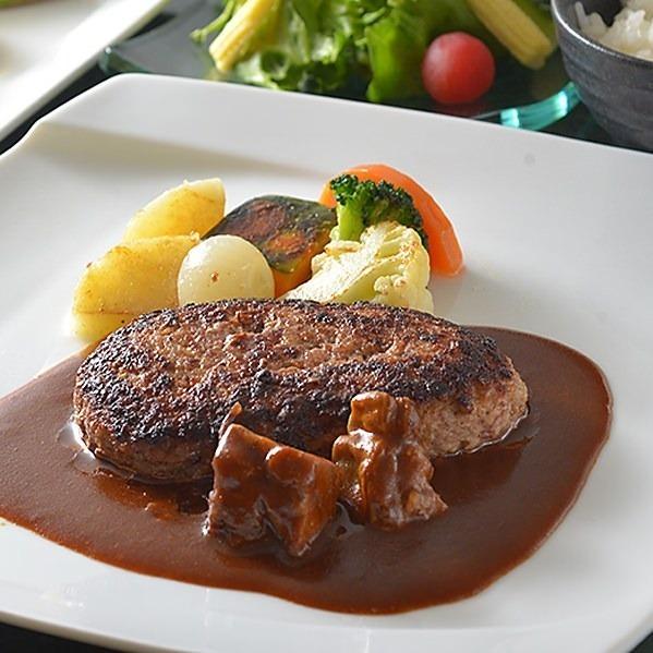 最高級の食材をつかった鉄板焼きならではの贅沢ランチをリーズナブルに。一度ご賞味ください。