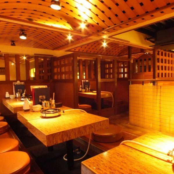 【最大16名様まで個室宴会OK!】落ち着いた雰囲気の空間で贅沢なふぐ・ずわいかにを堪能!接待や食事会にもぴったりな空間です!