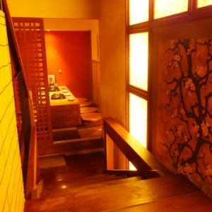 12名様個室になります。京都の雰囲気が感じられます
