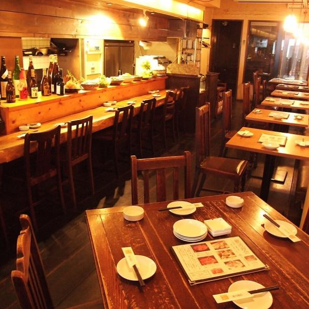 Japanese first floor with modern atmosphere ☆ It is possible to use up to 40 people !! For various banquets ♪ ♪ (Private room is available for 18 ~ available, negotiable)