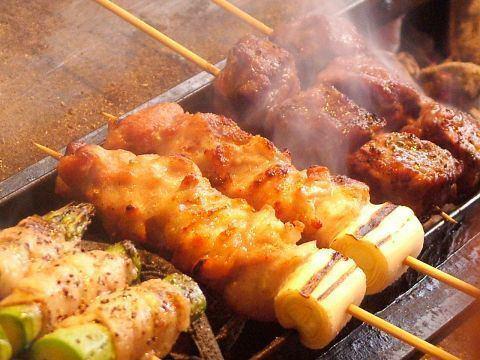 뷔페 3 시간 + 요리 10 종 + 닭 꼬치 구이 뷔페 ⇒2999 엔! ● 전석 개인 실 ●