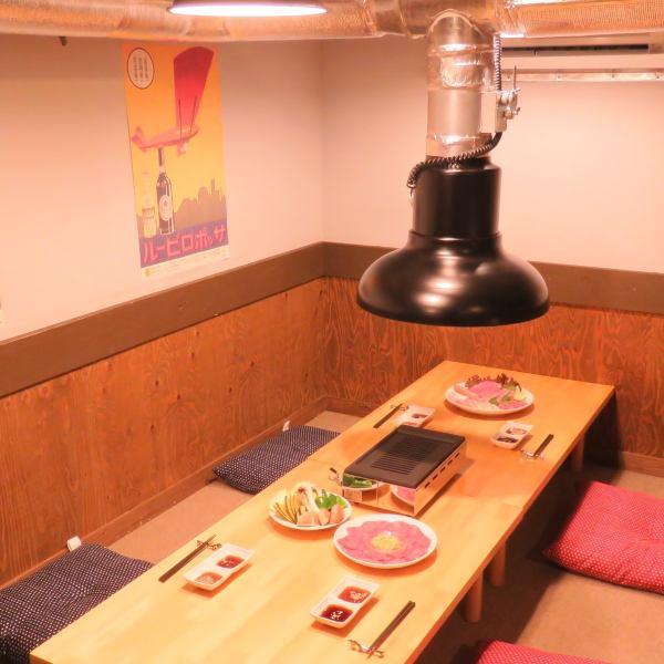 2Fの個室は通常ご予約のみでご案内させて頂く特等席となっております!プライベート感抜群の座敷個室でゆっくりお寛ぎ下さい…